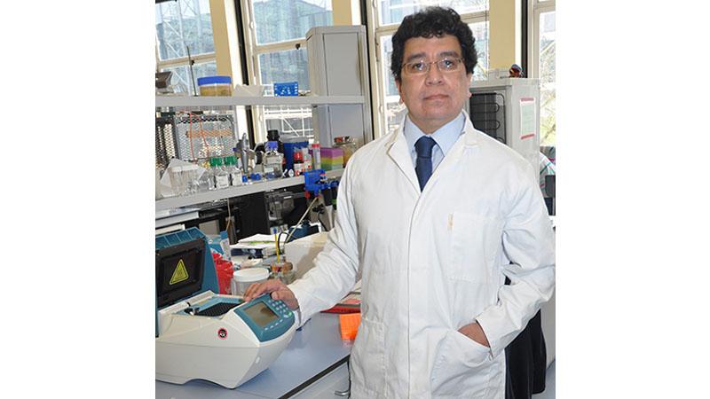 Dr Victor M Bolanos-Garcia